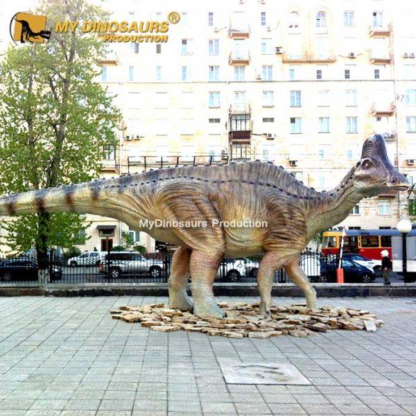 dinosaur statue Amurosaurus