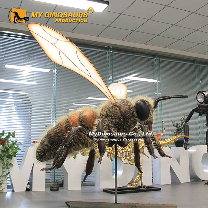 Large worker bee 1
