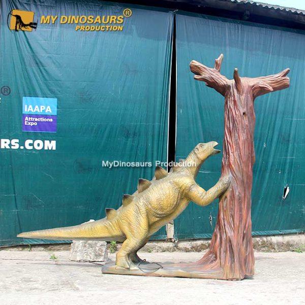 Stegosaurus with Tree