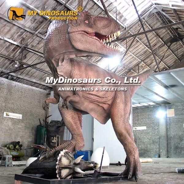 fighting dinosaurs animatronic 1