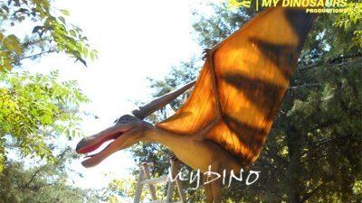 animatronic flying dinosaur 400x254