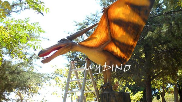 animatronic dinosaur usage park flying dinosaur