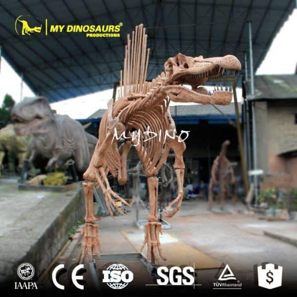 spinosaurus replica