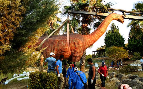 animatronic dinosaur manufacturer 1
