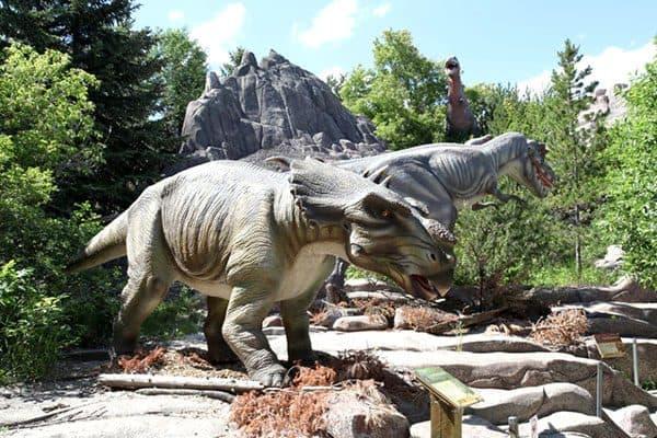 animatronic dinosaur park