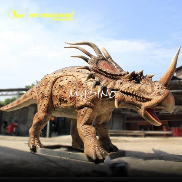 Dinosaur Styracosaurus model