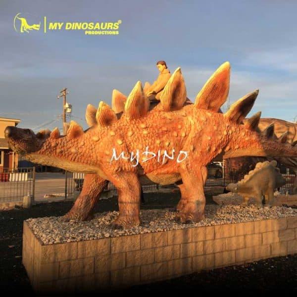 outdoor fiberglass dinosaur 1