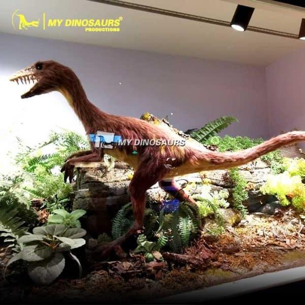 Sinornithosaurus model