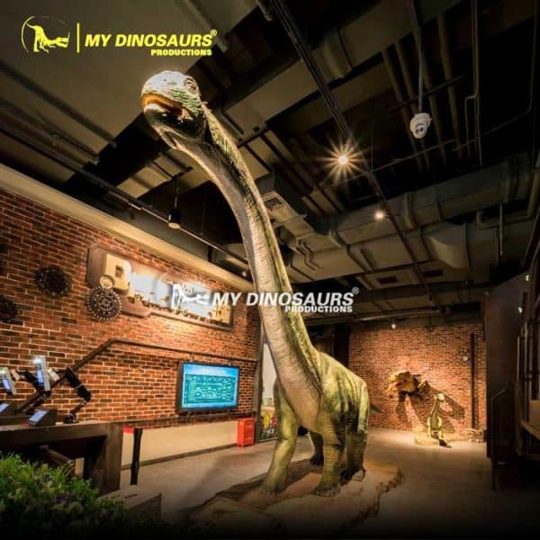 Life size dinosaur Paralititan