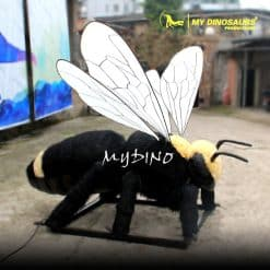 Realistic insect 1