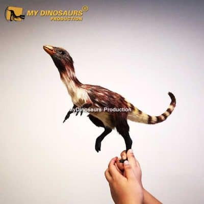 Sinosauropteryx statue
