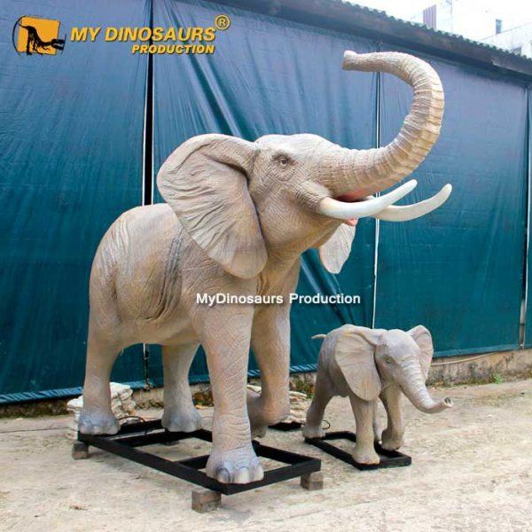 Robotic elephant with baby 1