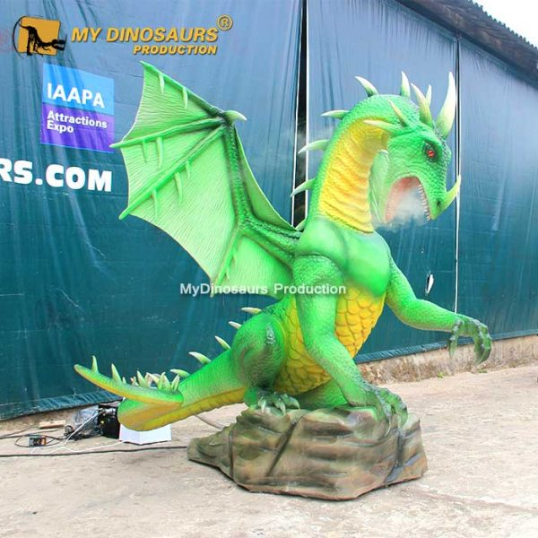 Smoky animatronic dragon 1