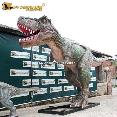 T Rex dinosaur statue.1