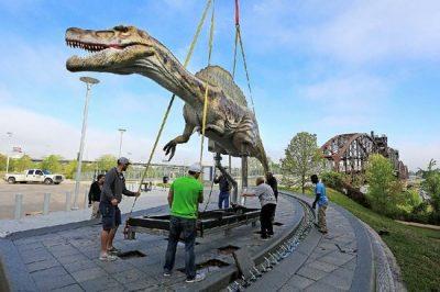 animatronic dinosaur features