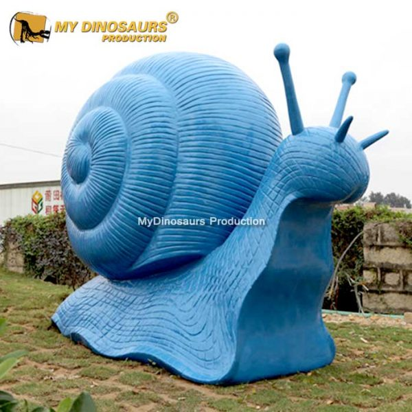 Large size snail statue 1