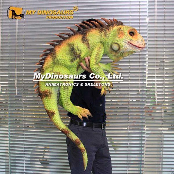 lizard puppet