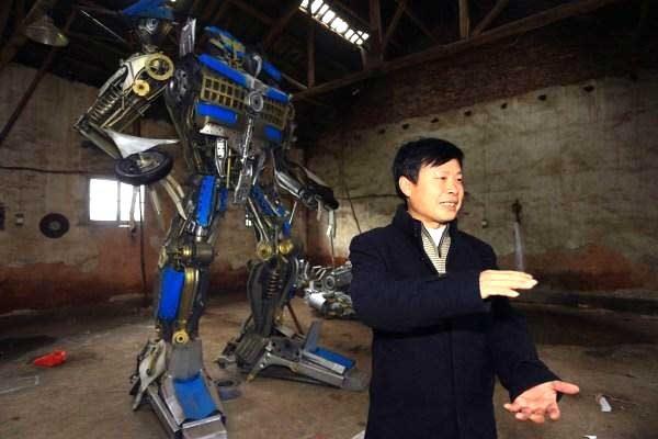 Making Huge Transformer Robots From Old Car Parts6