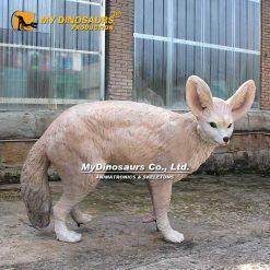 Life size fox sculpture 1
